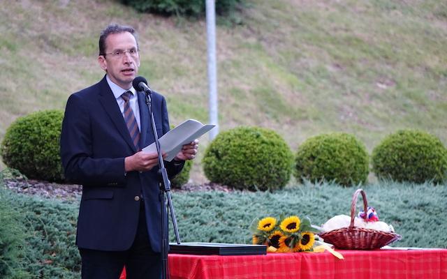 """Žiga Turk ob dnevu državnosti: """"Slovencev nas je premalo, da bi rešili svet, a ravno prav, da si med seboj pomagamo"""""""