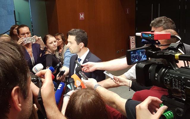 Marjan Šarec pogrnil na prvem izpitu. (Začasni) predsednik državnega zbora je postal Matej Tonin
