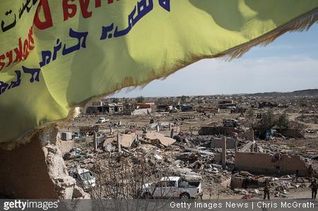 Kalifat Islamske države dokončno poražen, a njene celice ostajajo in še predstavljajo globalno grožnjo