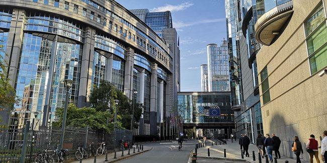 Tri ankete: v tekmi za Evropski parlament še vse odprto