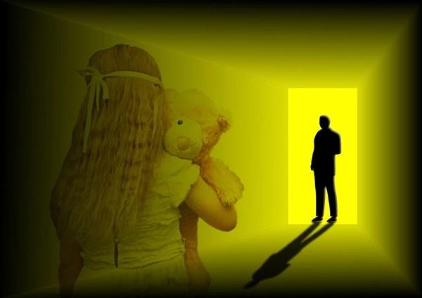 Predlog o odpravi zastaranja spolnih zlorab podpirajo skoraj vse nevladne organizacije. Ne pa tudi ministrica za pravosodje
