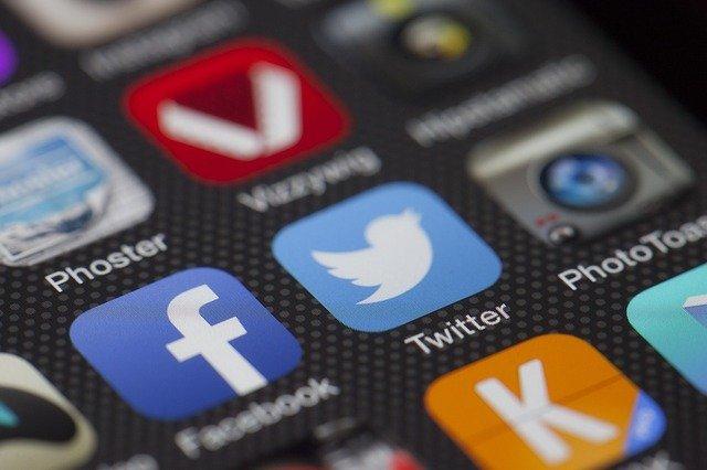 Nizozemci stopili skupaj v skupinski tožbi proti Facebooku