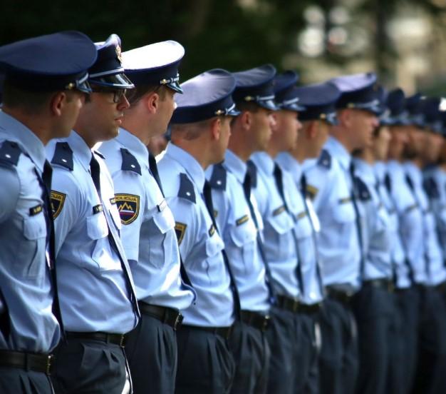Trije vodilni ljubljanski policisti prejeli opozorila pred odpovedjo delovnega razmerja