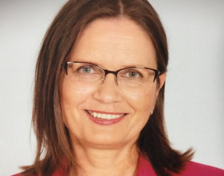 Odstopila je direktorica Študijskega centra za narodno spravo Andreja Valič Zver